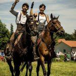 voltige, chevaux, couple, équitation, Sébastien Garcia, des Sites et des Lettres, création de site, photographie